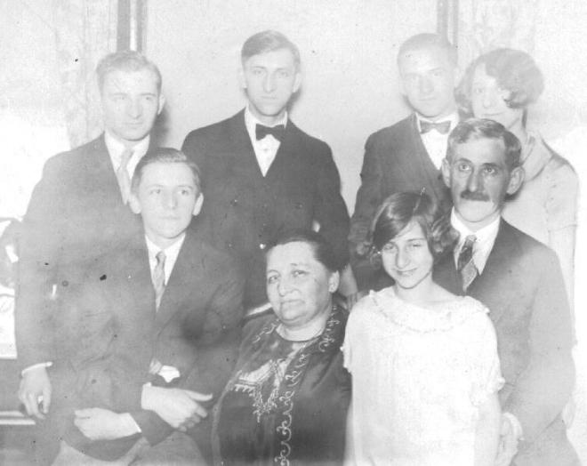 Julius Helfer family, ca. 1925